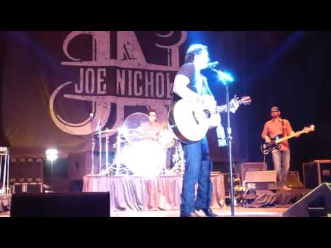"Joe Nichols-Live-""Shape I'm In""-Band Intros"