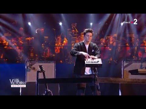 Petit Biscuit - Sunset Lover / Victoires De La Musique 2018