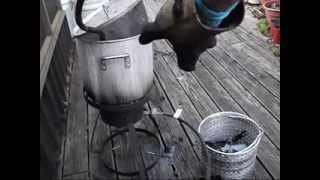 cleaning auto parts with fish fryer(Cleaning auto parts with a fish fryer. This method works great. One gallon Purple Power to one gallon water and bring to a boil for 45 minutes. (salt to taste) Parts ..., 2015-04-03T05:49:05.000Z)