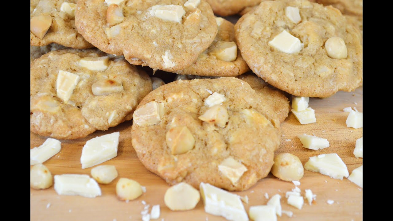 WHITE CHOCOLATE CHUNK and MACADAMIA NUT COOKIES Recipe |Cooking With Carolyn