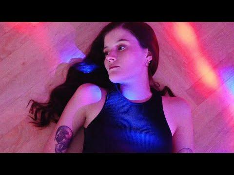 Madeline Juno – Sommer, Sonne, Depression