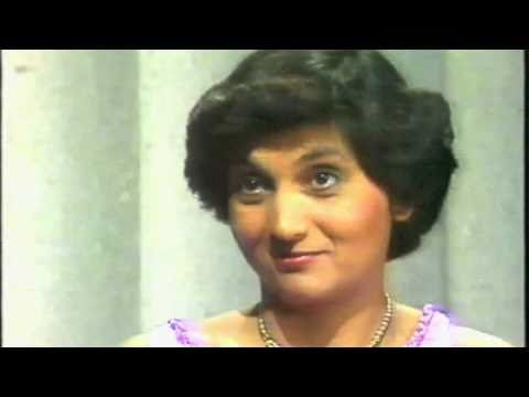 "Ma Anand Sheela - Funny Interview ""Good Luck To you and your PIMPS"""
