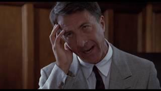 Трогательный момент из фильма Человек дождя / Раймонд решает с кем остаться