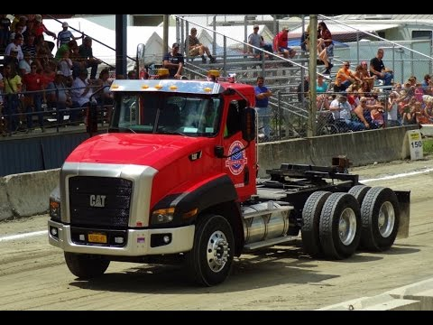 Cat CT660 at Truck Pulls - YouTube