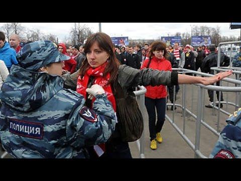 Русские тёти раздеваются при людях фото 713-294