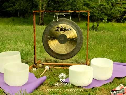 Deep Meditation Music (Nature sounds,Gong, Tibetan & Crystal Bowls)South Chile - Alupran