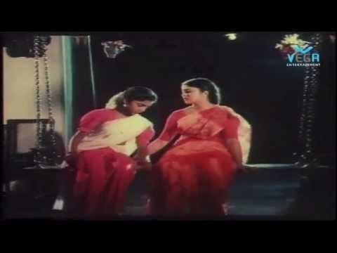 Mangalyam Tantunanena Movie : Naan Solla Matten Song