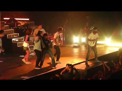 Pharrell Williams - Rock Star & Lapdance (Raego & fans on the stage) - Prague - 17.9.14