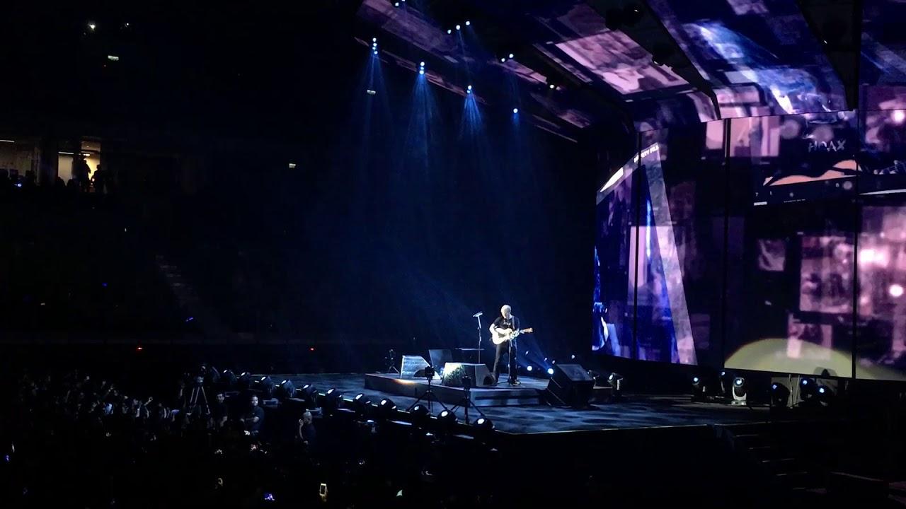 Ed Sheeran - Photograph Live In Malaysia 2017 - YouTube