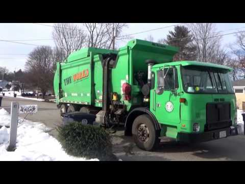 City of Nashua , Nh Solid Waste Dpt.184 ~ CNG Autocar ACX McNeilus ZR