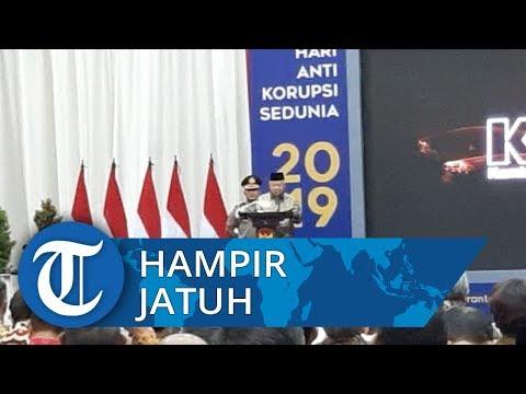 Detik-detik Wapres Ma'ruf Amin Hampir Terjatuh Usai Memberikan Sambutan di Acara Harkordia