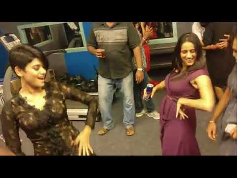 Oviya Dance At Bigg Boss Party After Bigg Boss Tamil Season 1 Grand Finale