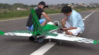 Artur GB em - Piloto Dimmy voando seu Jato Viper Jet em Jundiai