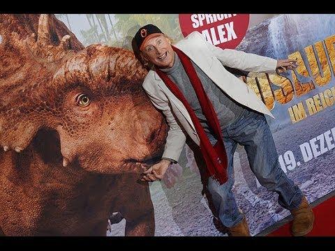 """Otto Waalkes @ Premiere """"Dinosaurier 3D - Im Reich der Giganten"""" im Cinemaxx, München am 08.12.2013"""