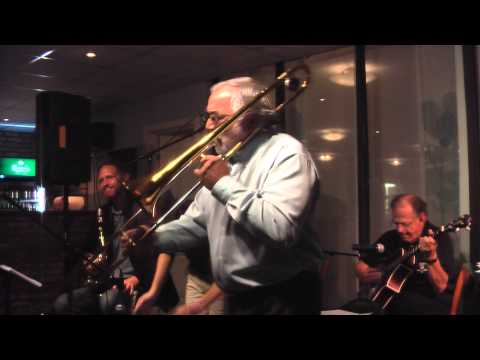 12- Singing the blues till my daddy comes home  - Maritime Stompers featuring Dymitr Markiewic