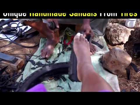 Kenya Afrika Maasai'de Motor Lastiklerinden Sandalet Yapımı