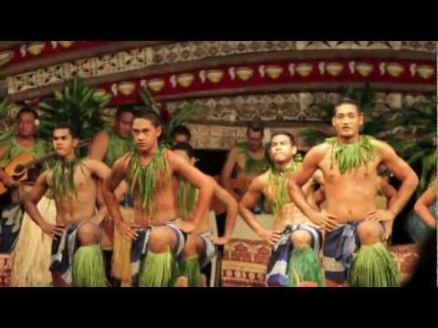 Fiafia Night at Aggie Grey's in Samoa (HD)