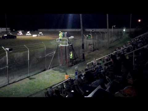 Restrictor Feature superbowl speedway 8-05-17