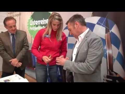 Olympiasiegerin Natalie Geisenberger bei Unterreiner Forstgeräte GmbH