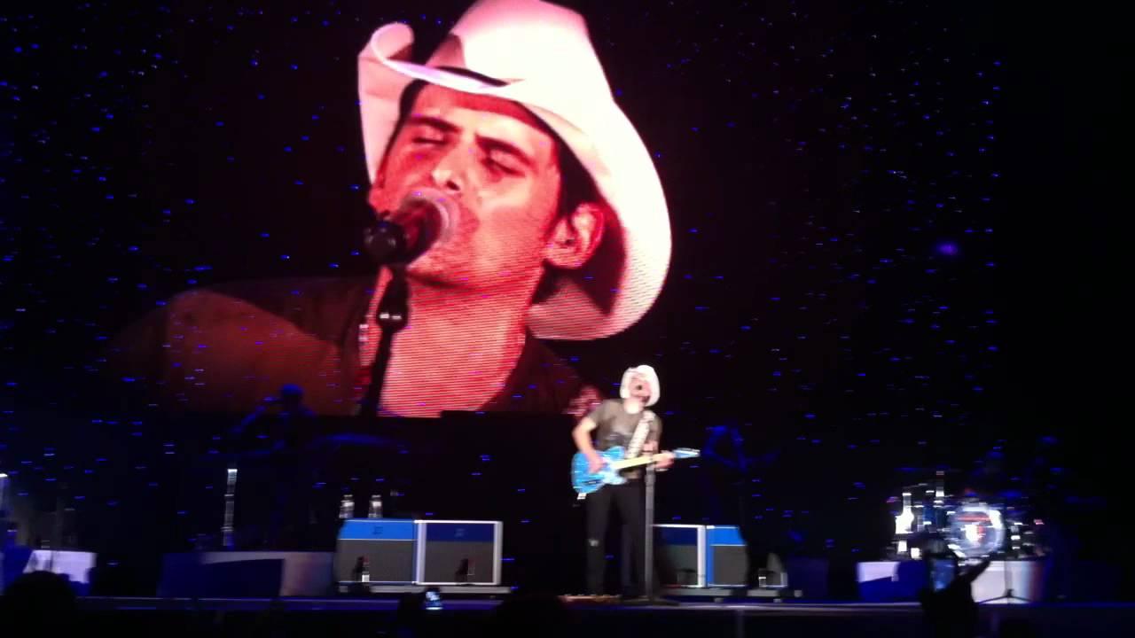 Brad Paisley Then Live At Pizza Hut Park In Dallas Texas Hd