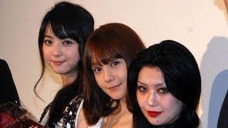 歌手の鬼束ちひろが28日、都内で行われた映画『呪怨 -終わりの始まり-』...