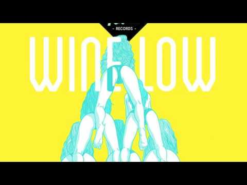 Johnny Roxx ft. Esco Da Shocker - Wine Low