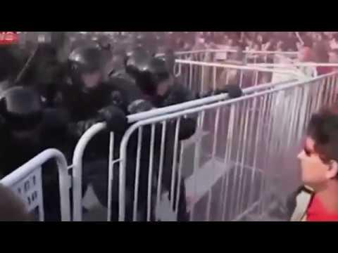 видео: Eins Zwei Polizei День Сурка