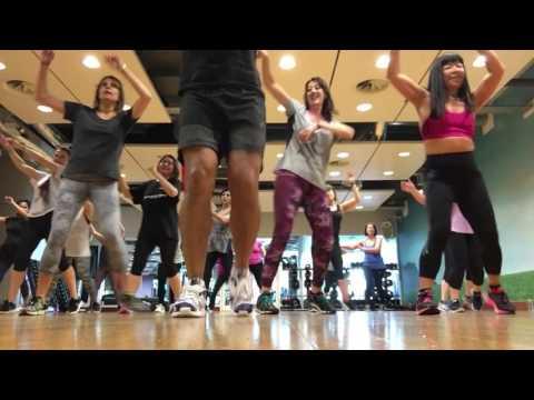 Despacito Luis Fonsi Zumba fitness choreography by zumba Papi UK and FitDance Life ft Daddy Yankee