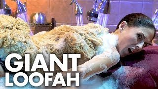 Getting a Full Body Scrub with a GIANT LOOFA?!? (Beauty Trippin)