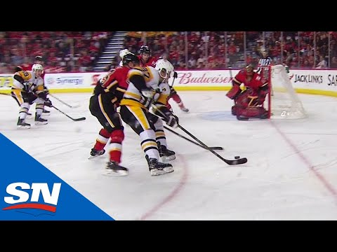 Sidney Crosby Backhands Puck Over Mike Smith From Impossible Angle To Score