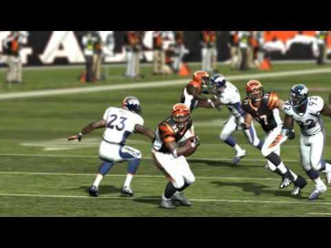 Madden NFL 11 Highlight Cedric Benson 39 Yard TD