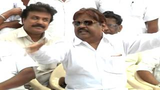 Vijayakanth Fighting With Jaya Tv Reporter At Delhi - Did DMK MP Instigate the Fight ? - Must Watch