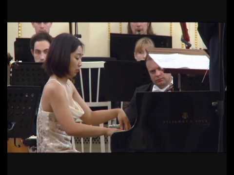 Mei Yi Foo | Rachmaninov Piano Concerto no 1 2/4