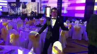 Ведущий жжёт! корпоратив и свадьбу в Москве. Заказать тамаду