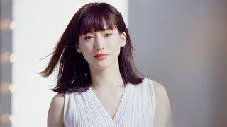 綾瀬はるか、白ワンピで大人っぽい表情や無邪気な笑顔 34歳を迎える心境も 「セイコー ルキア」新動画公開 ガッキー時計 検索動画 15