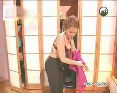 Berna Laçin Soyunuyor