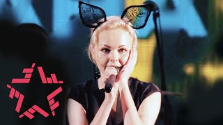 Download Ленинград - Какого хера нет моего размера (Концерт на Новой Волне 2015) Mp3 and Videos