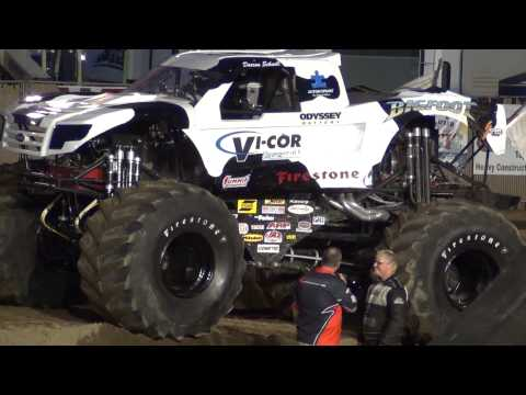 Vi-Cor Bigfoot Vs. Wrong Way Rick-Racing Finals,interviews.@NW WA. Fair 2013