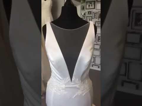 Bridal Reloved Hackney Wedding Dress By Pinana Tornai