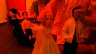 Свадьба Рапунцель. Дочь играет в свадьбу.