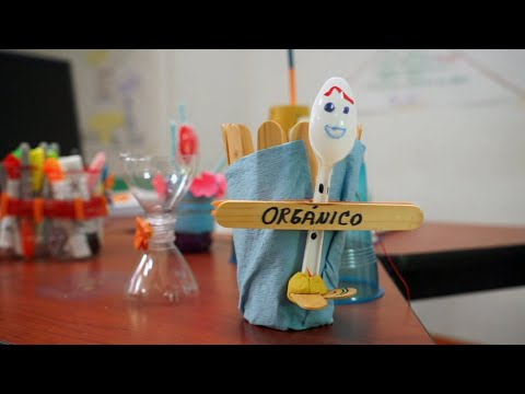 Video testimonial de sesiones de capacitación en metodología de enseñanza – aprendizaje STEAM a docentes de primaria y secundaria de Paraíso, Tabasco.