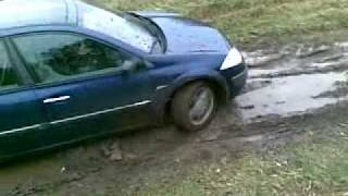 Renault Megane playing with dirt p2