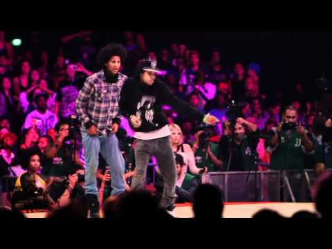 New Style – Les Twins vs. Lil' O & Tyger B at Juste Debout 2011 (Semi-Final) on YouTube