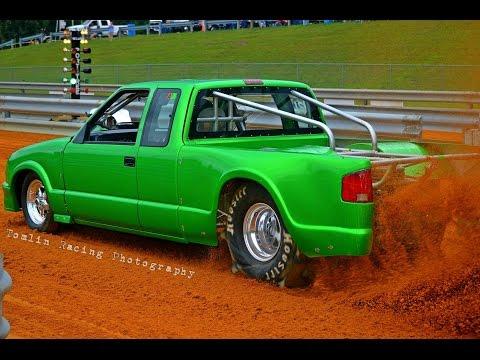 Newtown Dragway Pro Truck Dirt Drags  10/9/15