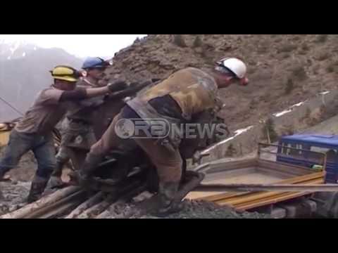 Ora News – Rinisin kërkimet për minatorët në Bulqizë