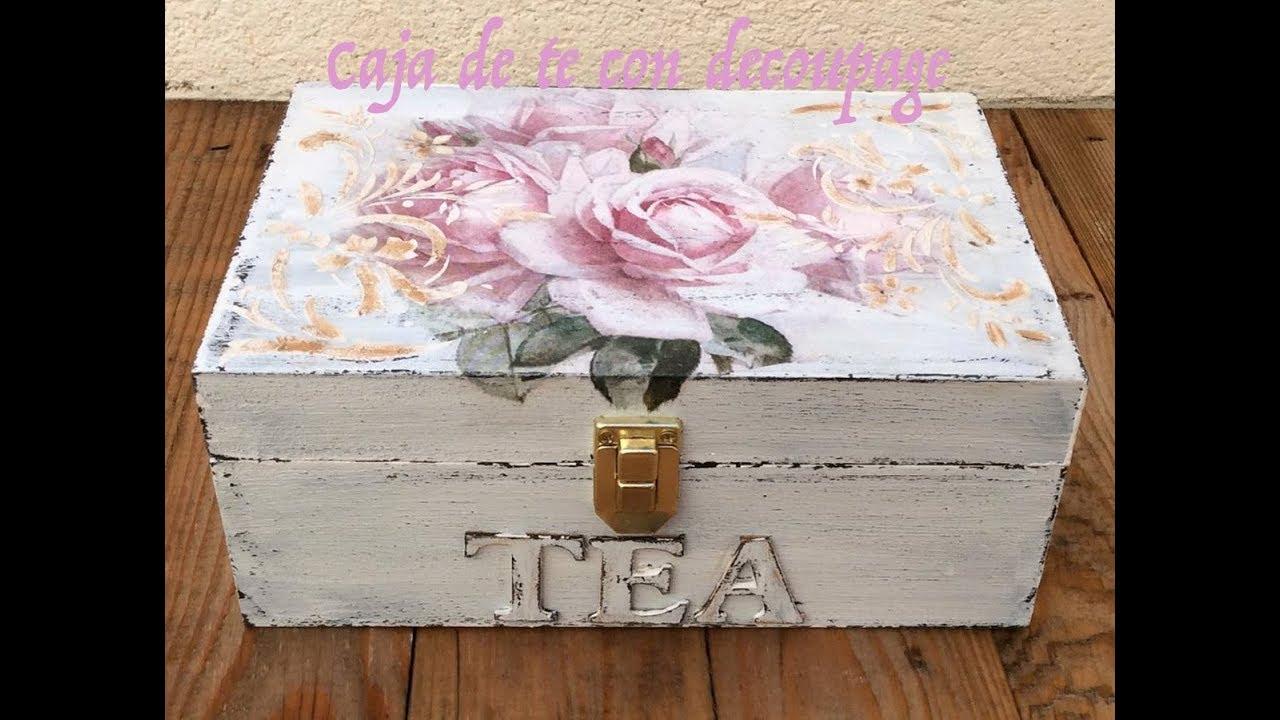 Caja de té decorada con decoupage, decapado y relieve