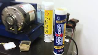 Shell Gadus S3 V100 Grease 2 vs ProOne EP 1 Grease