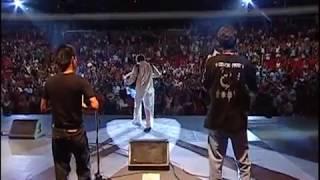 Celso Piña - Cumbia Sobre el Río Suena (En Vivo feat Pato Machete)