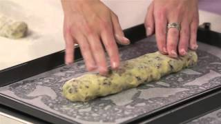 How to make berry and pistachio biscotti