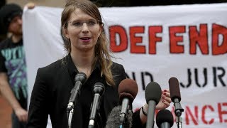 Federal Judge Continues Chelsea Manning's Confinement and $1000 a Day Fine